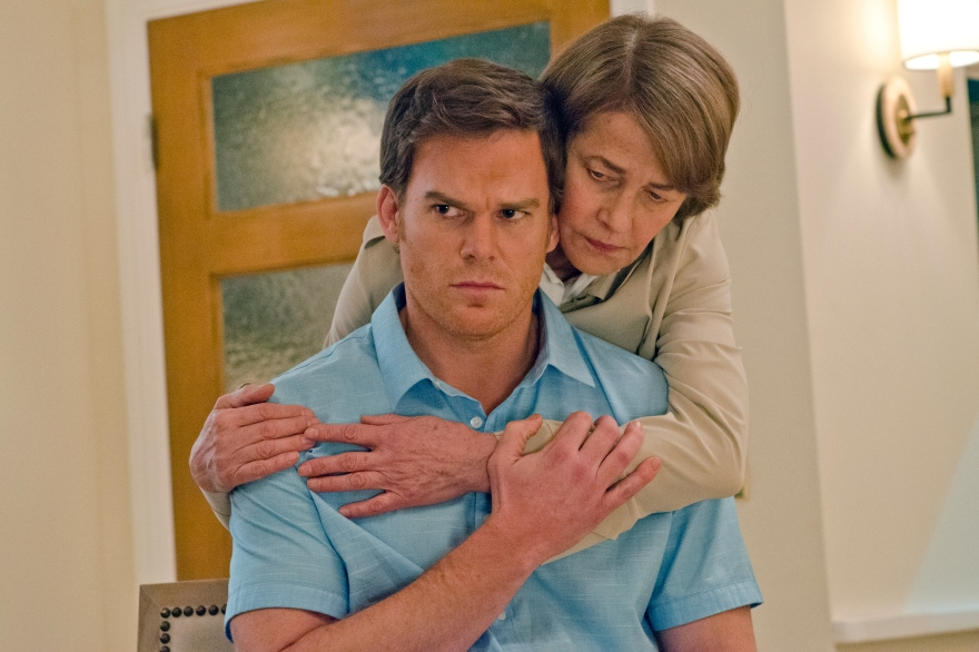Michael C. Hall as Dexter Morgan and Charlotte Rampling as Dr. Vogel in Dexter (Season 8, episode 2) - Photo: Randy Tepper/Showtime - Photo ID: Dexter_802_0395